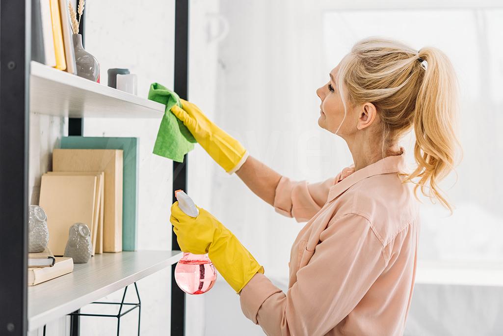 Vous pouvez profiter de votre temps libre pour réorganiser vos armoires ou vos étagères Cela vous permettra de chasser la monotonie de vos pièces