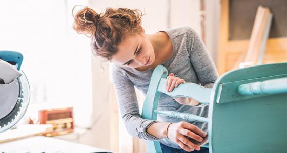 Comment profiter de votre temps libre ? Optez pour la rénovation bon marché de votre intérieur, et ce sans avoir à sortir de chez vous !