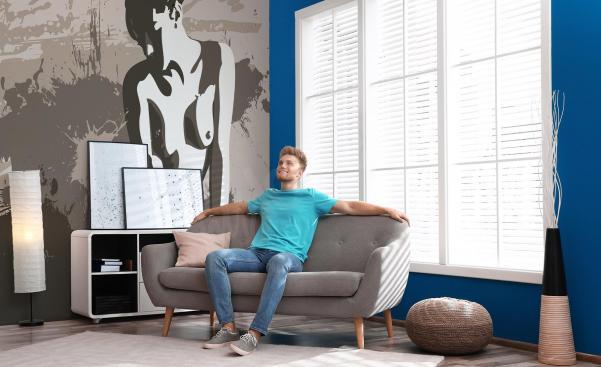 Papier peint érotique dans un salon