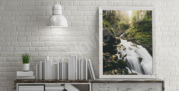 Poster chute d'eau de montagne