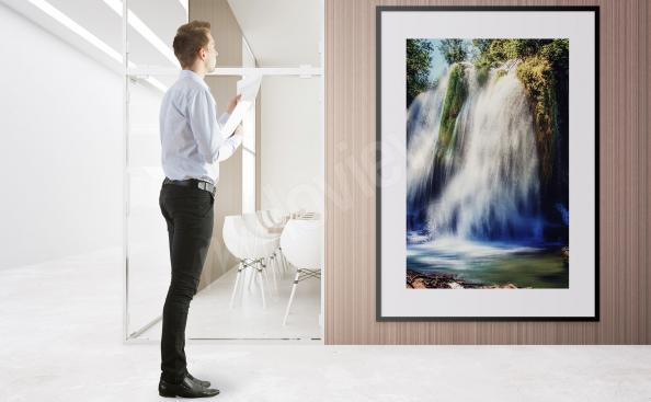 Poster chute d'eau en pleine nature